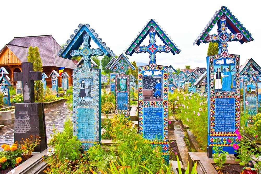 Vizită la Cimitirul Vesel din Săpânța
