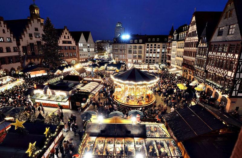 Târgul de Crăciun din Frankfurt aduce magia sărbătorilor în inima Germaniei