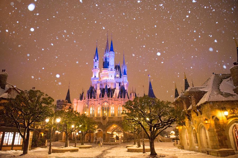 Disneyland Paris, peisaj de poveste creat de ninsoarea puternică