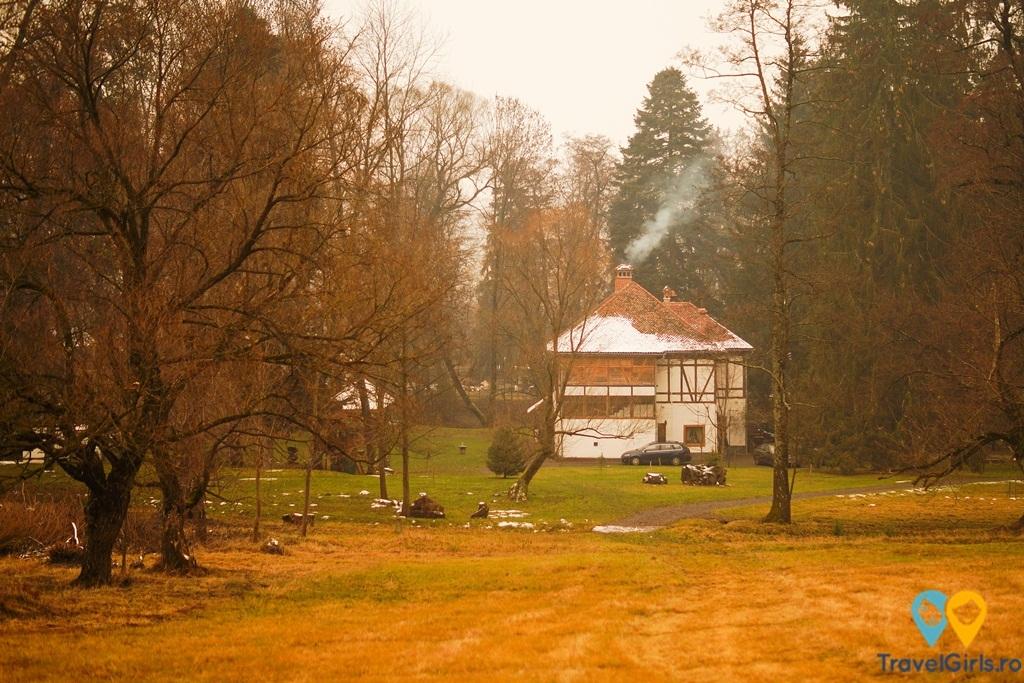 Castelul Mikes din Zăbala – probabil cel mai romantic loc din România