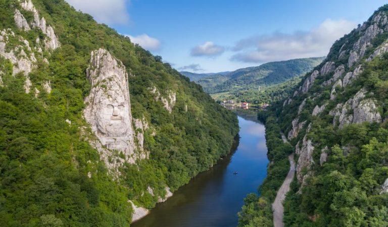 Cea mai mare sculptură din Europa se află în România