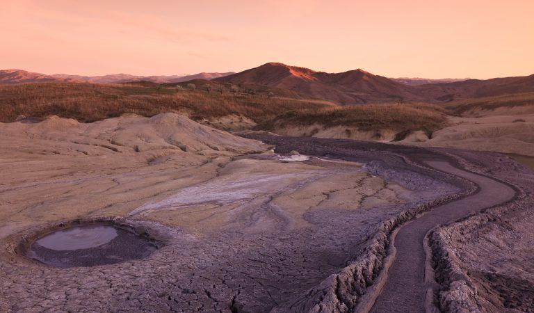 De ce sunt Vulcanii Noroioși în topul preferințelor turiștilor?
