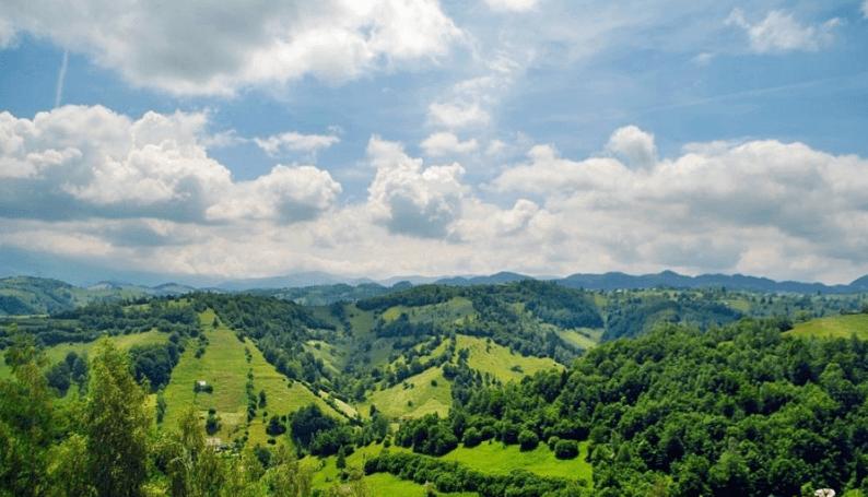 Idei de weekend: satele Șirnea, Peștera și Măgura