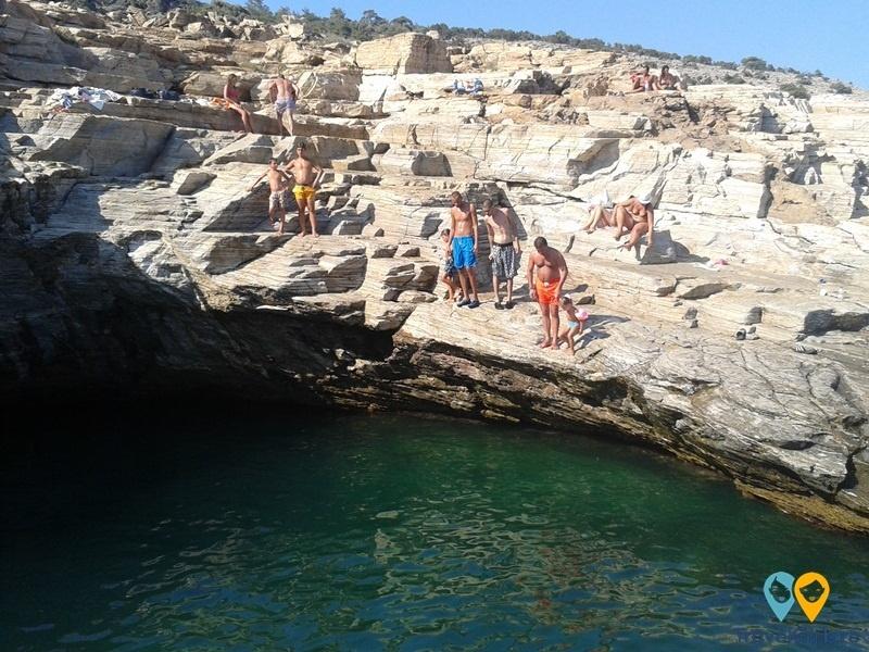 3 locuri din care să sari în cap în Thassos