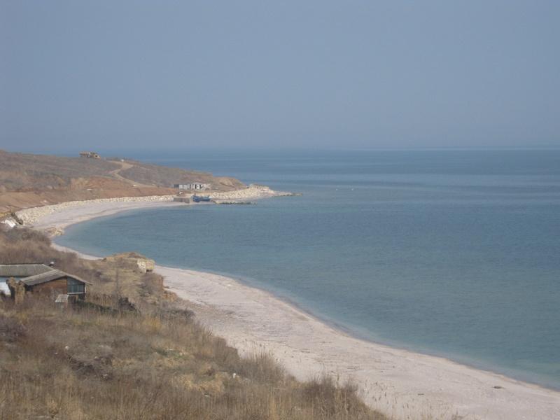 Plaja spectaculosă din România, cu apă turcoaz şi nisip fin, de care nu ştie nimeni! Nu aparţine de nicio staţiune