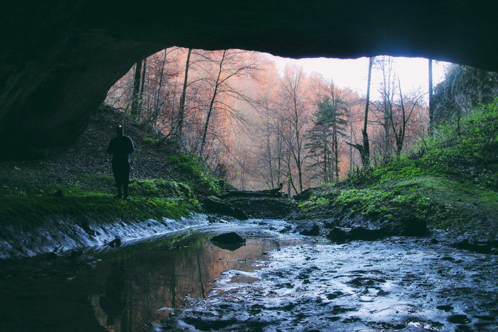 Valea Iadului spune povestea raiului la Bihor