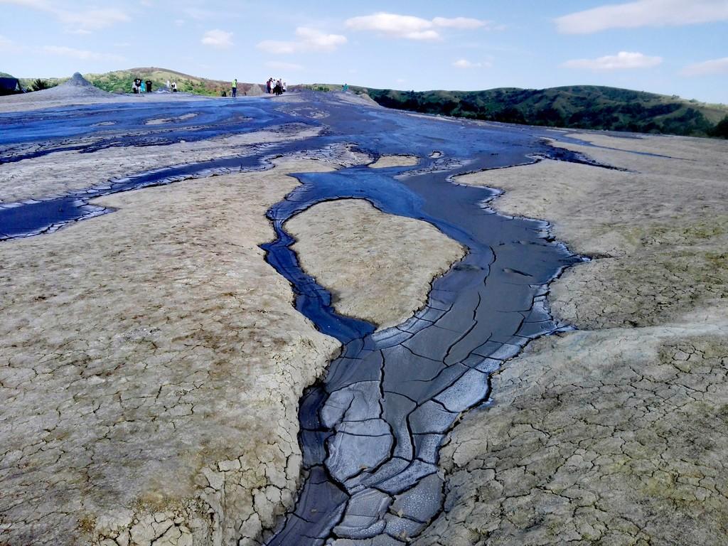 Vulcanii Noroiosi de la Paclele Mari obiective turistice Buzau Romania 38