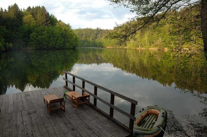 Povestea celui mai vechi lac artificial din România