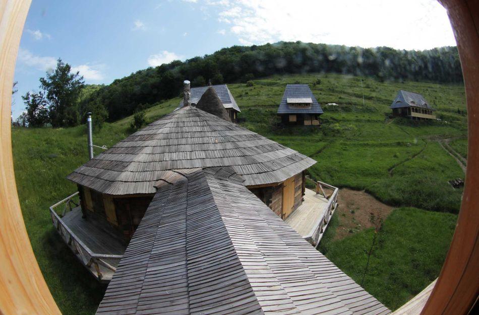 Un sat de vacanţă unic în România