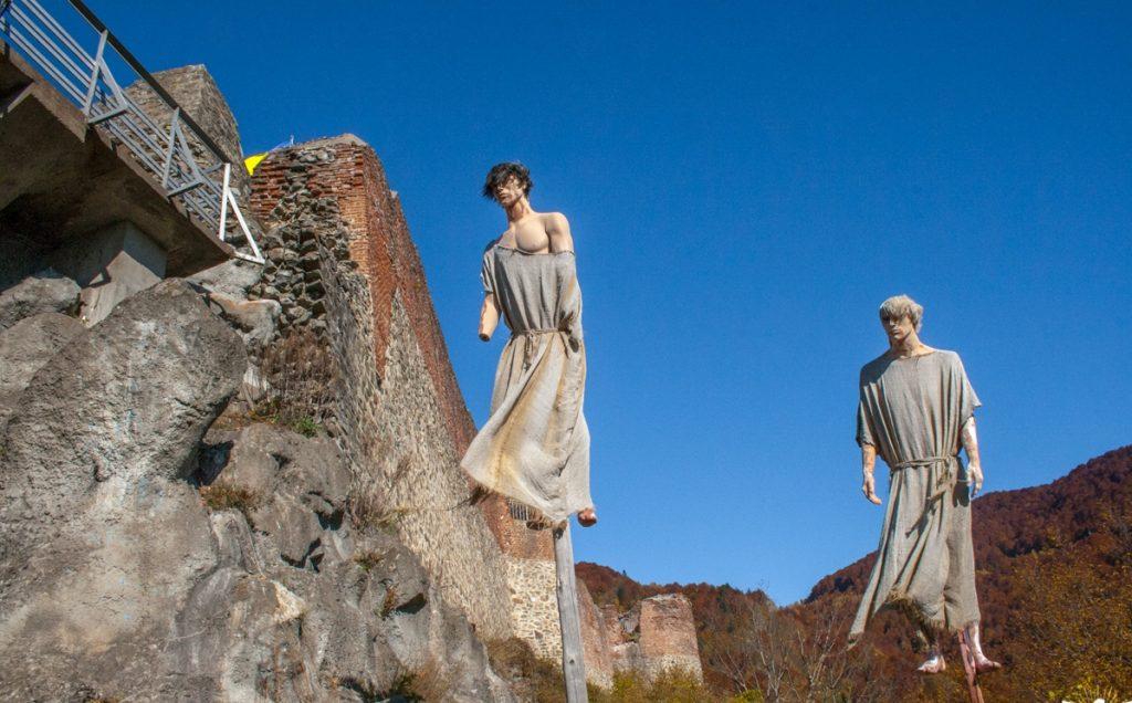 Câte trepte ești dispus să urci până la Cetatea Poenari?