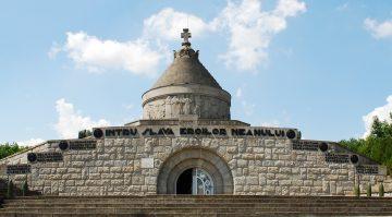 RO VN Marasesti mausoleum 3