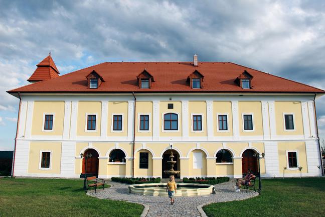 castel haller ogra