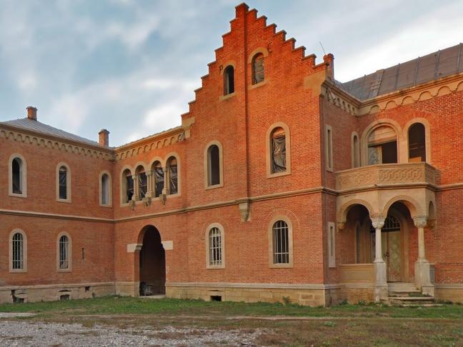 castelul rosu