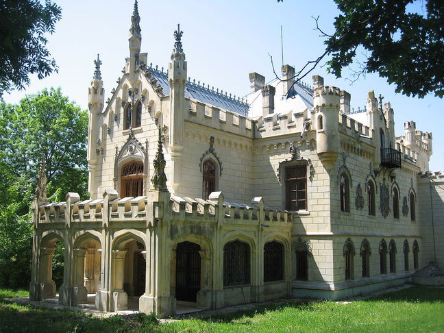 castelul sturdza din miclauseni3