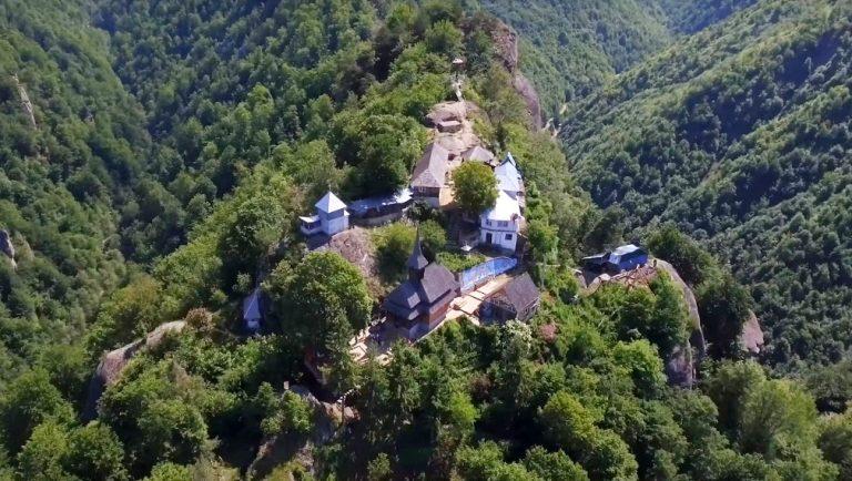 Manastirea Cetatuia Negru Voda 4