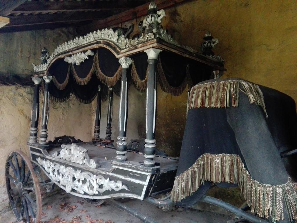 trasura dric biserica fortificata Codlea obiective turistice Brasov Romania
