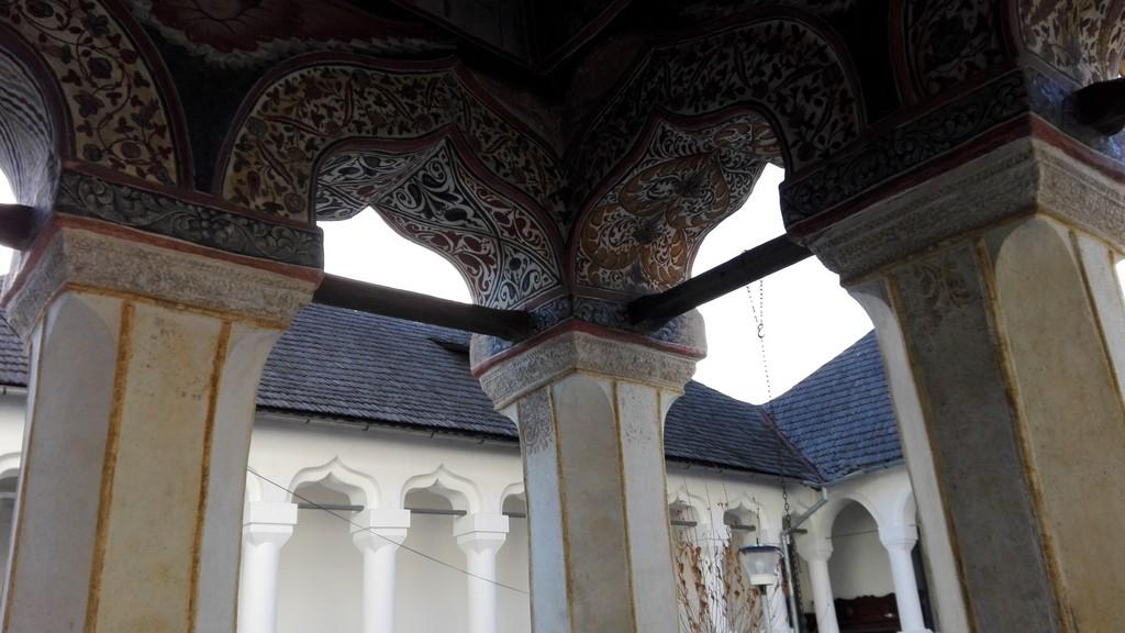 Manastirea Surpatele 25