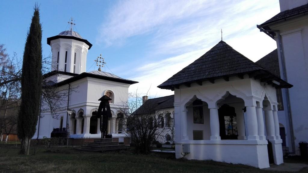 Manastirea Surpatele 71