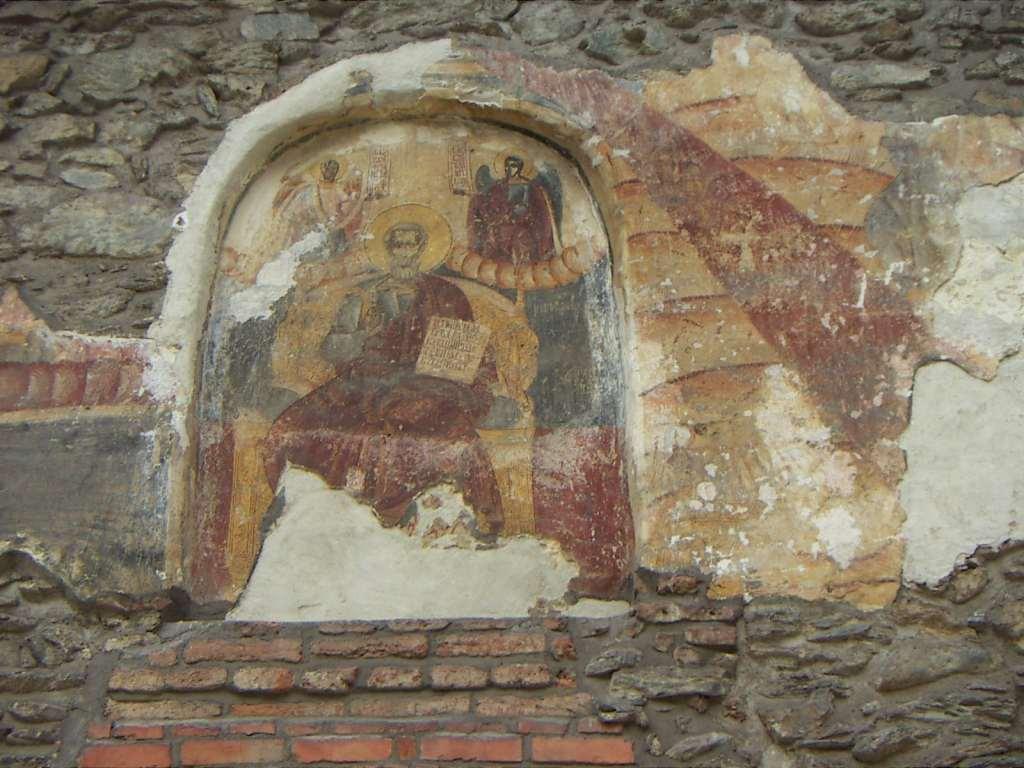 Picturi extrem de vechi infrumuseteaza peretii manastirii