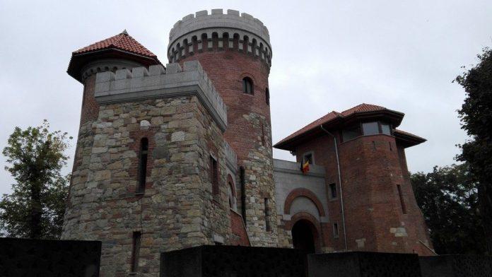 Castelul lui Dracula Parcul Carol 4 1024x576 1