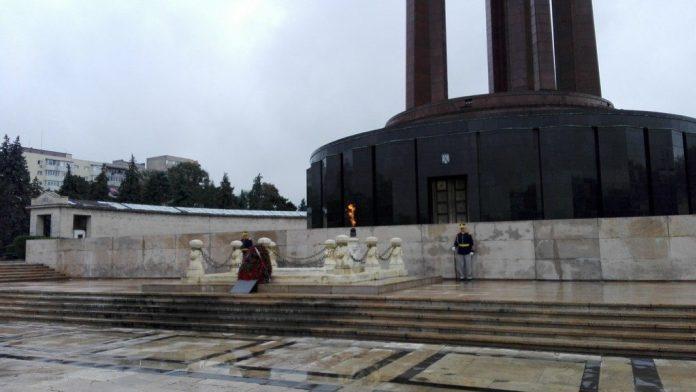 Mausoleul eroului necunoscut Parcul Carol 1 1024x576 1