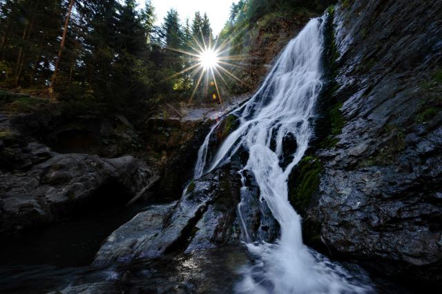 Cascada Vălul Miresei – destin pierdut  între stânci