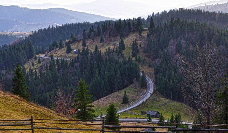 12 locuri pe care să le vizitezi în Nordul Moldovei şi Bucovina