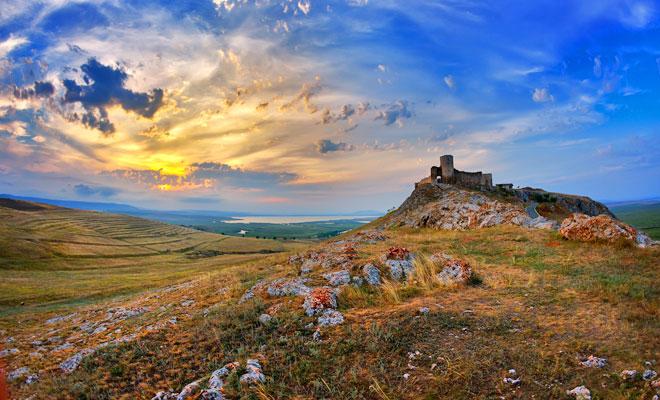 Cetatea Enisala din comuna Sarichioi