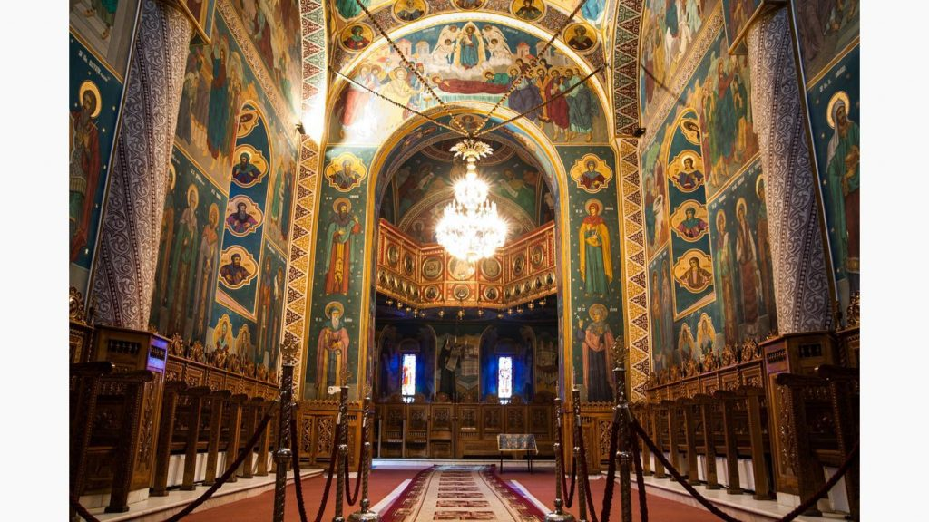 catedrala husi 01