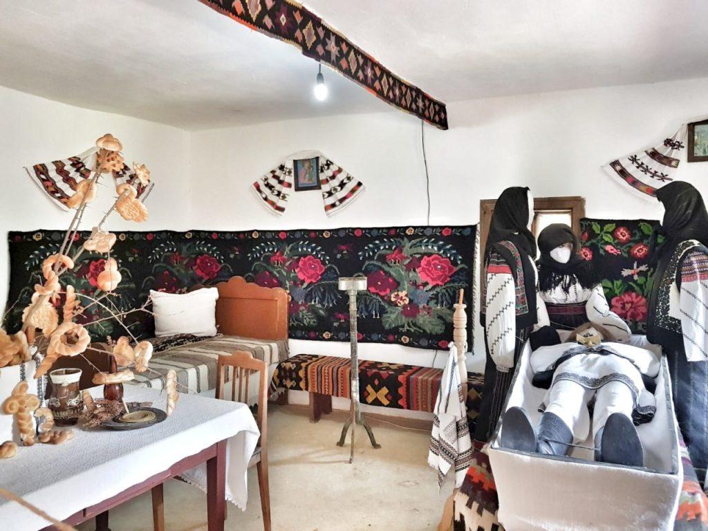 muzeul satului bucovinean aventurescu 2