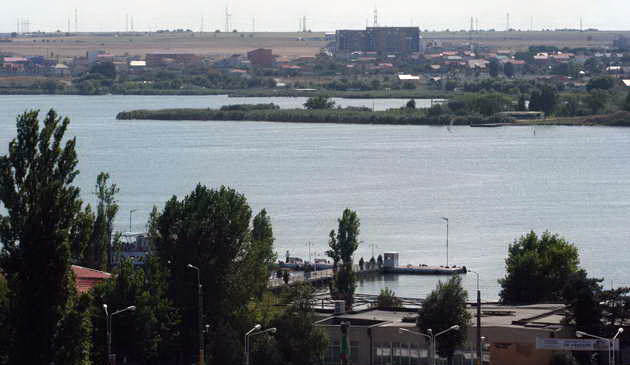 04 legenda Mamaia panorama lacul Siutghiol insula Ovidiu 001
