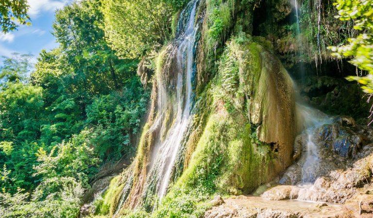 Clocota: cascada care fierbe