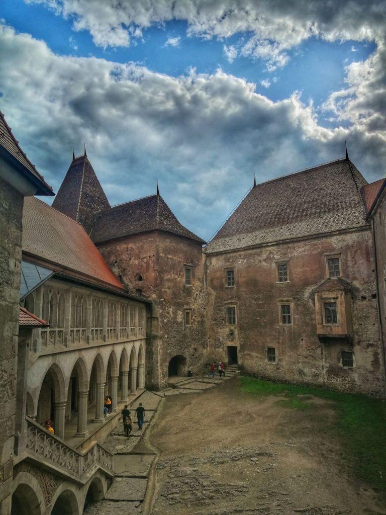 castelul corvinilor 103