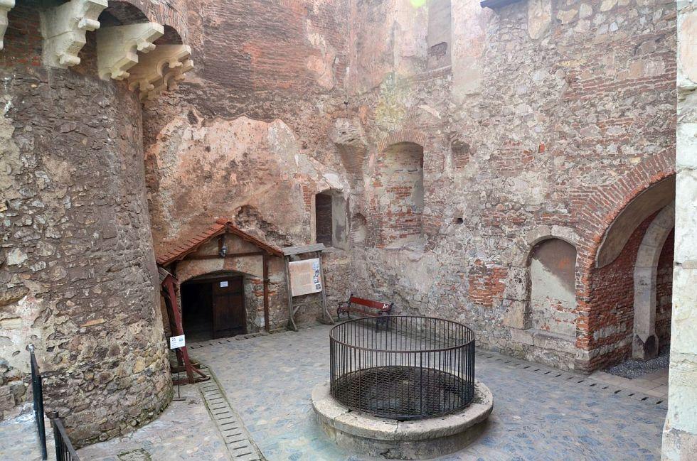 castelul corvinilor huniazilor 80