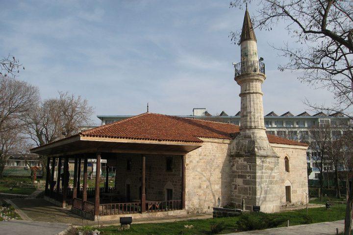 moscheea esmahan sultan e1520926909630