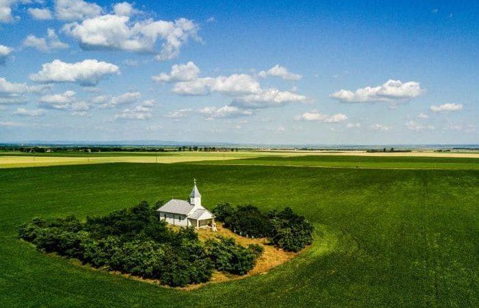Povestea unei biserici din România, aflată în pustietate