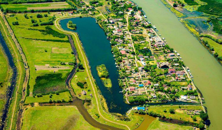 Satul care înglobează întregul spirit al Deltei Dunării