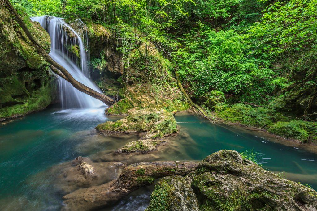 vaioaga waterfall PXLJF46