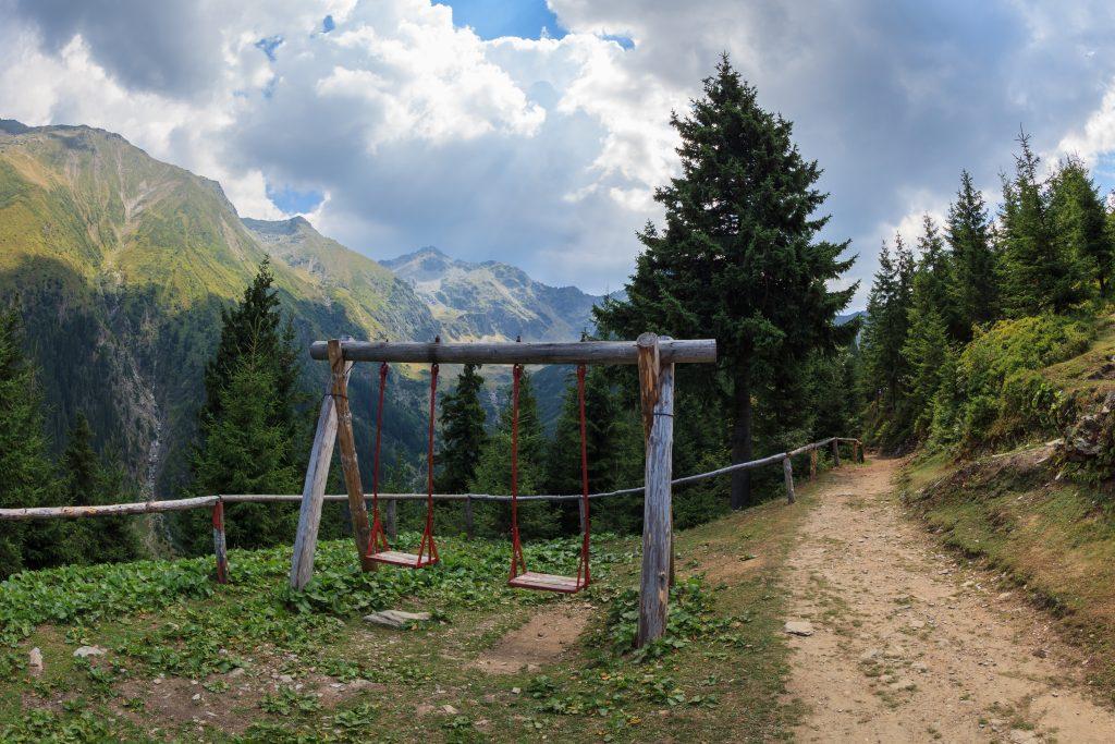 mountain landscape fagaras mountains romania PUZ5PW6