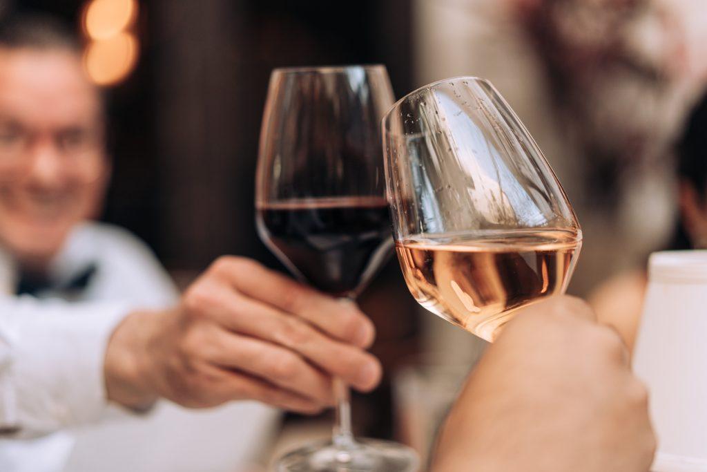 wine glasses wine tasting D75J9QM
