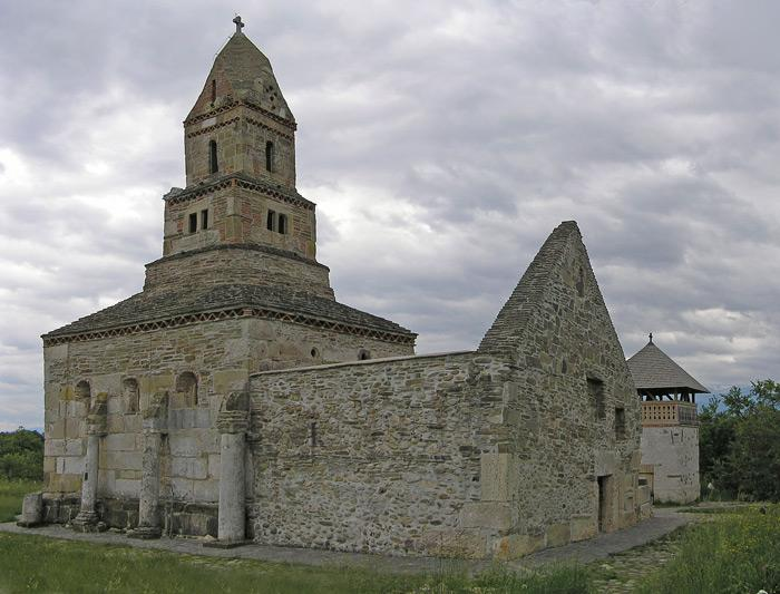 densus cea mai veche biserica in care se slujeste 108461