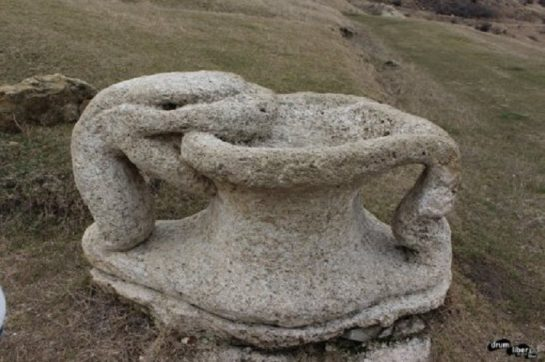 The stone treasures of Naeni 10 545x362 1