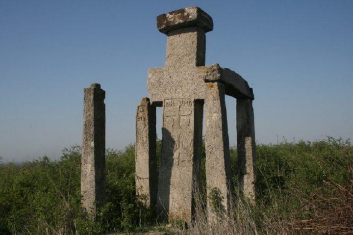 The stone treasures of Naeni 7 720x479 1