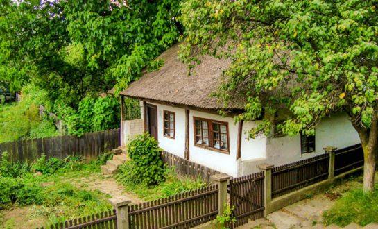 Casa Memoriala Mos Ion Roata din comuna Campuri f64 545x330 1