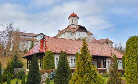 Manastirea Recea din comuna Dumbraveni flickr 545x330 1