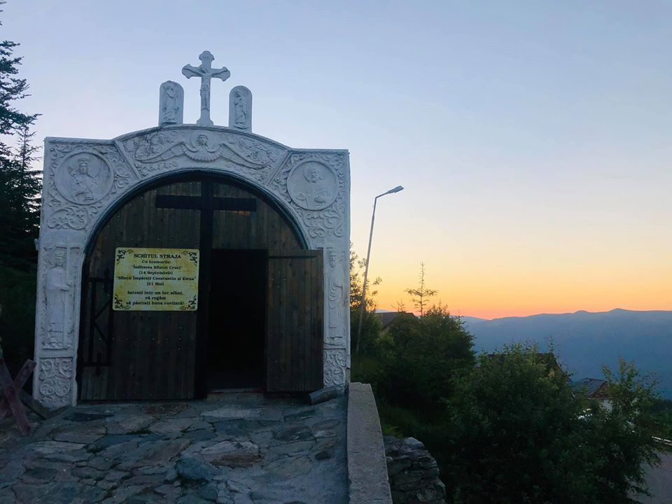 Tunelul Sfintilor din Schitul STRAJA Valea JIULUI 4