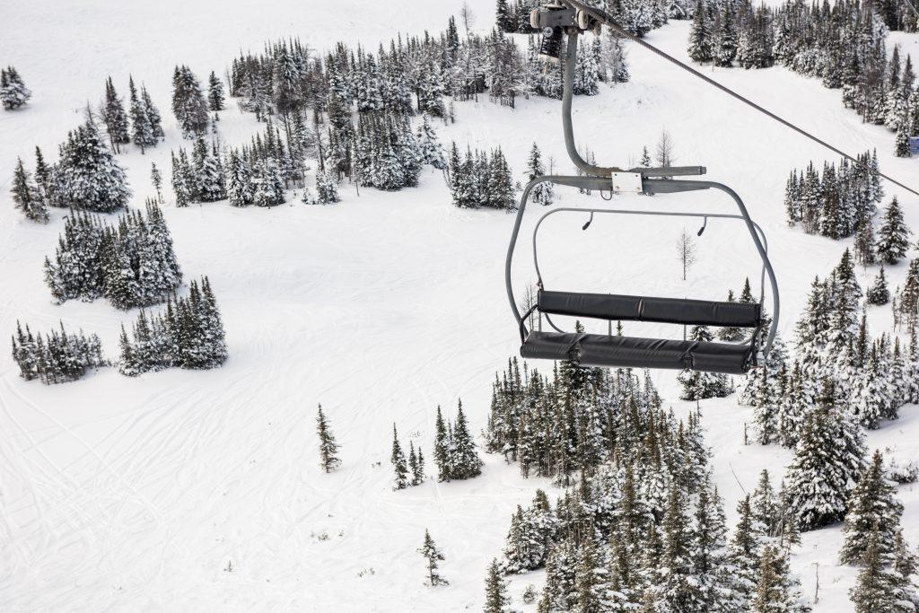 empty ski lift in the ski resort UAKB73L