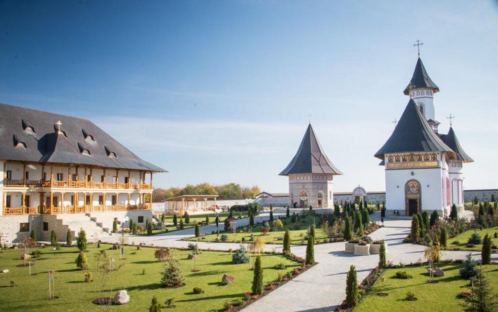 manastirea zosin botosani lokator.ro 212e 1024x643 1