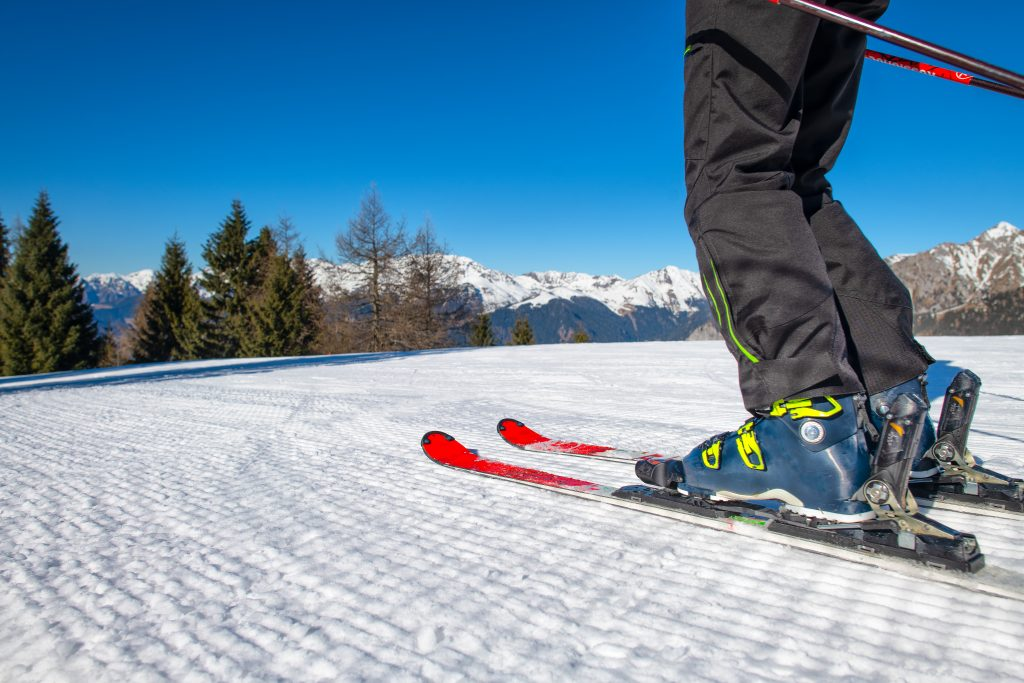 ski detail on ski Y2G2A3F