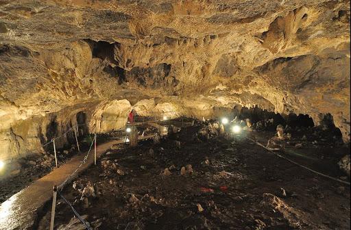 Peștera Muierilor – loc fascinant în Masivul Parâng